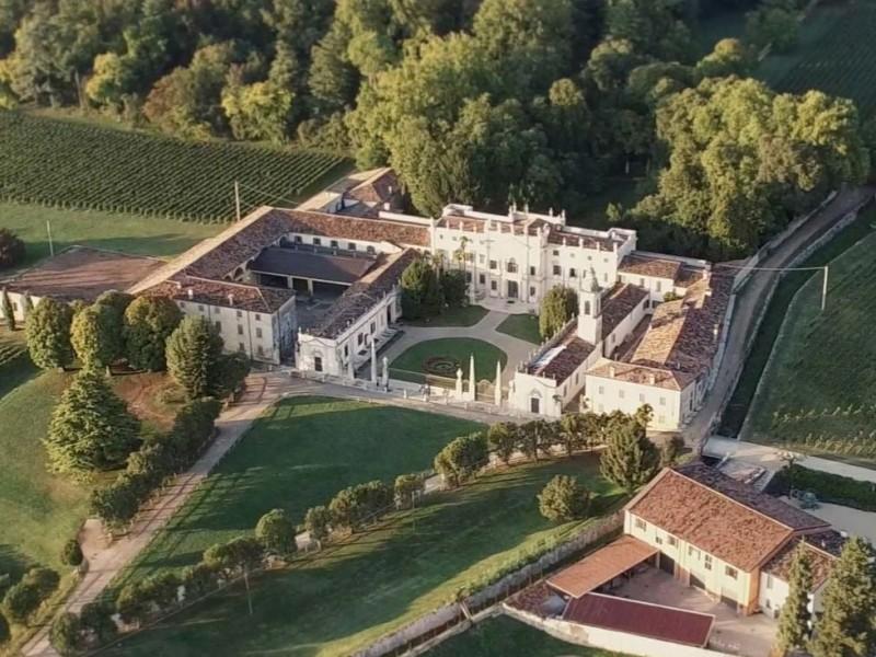 Villa-Mosconi-Bertani---Version-2-featured